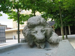 Lion sculpture in Aaholm school playground