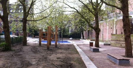 Oude Noord: from car park to playground - after